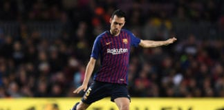 BARCELONA, SPAIN - MARCH 09: Sergio Busquets of FC Barcelona runs with the ball during the La Liga match between FC Barcelona and Rayo Vallecano de Madrid at Camp Nou on March 09, 2019 in Barcelona, Spain. (Photo by David Ramos/Getty Images)