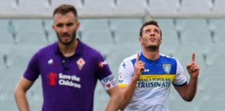 FLORENCE, ITALY - APRIL 07: Daniel Ciofani of Frosinone Calcio celebrates after scoring the opening goal during the Serie A match between ACF Fiorentina and Frosinone Calcio at Stadio Artemio Franchi on April 7, 2019 in Florence, Italy. (Photo by Alessandro Sabattini/Getty Images)