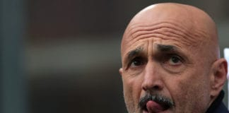 MILAN, ITALY - APRIL 07: FC Internazionale coach Luciano Spalletti looks on during the Serie A match between FC Internazionale and Atalanta BC at Stadio Giuseppe Meazza on April 7, 2019 in Milan, Italy. (Photo by Emilio Andreoli/Getty Images )