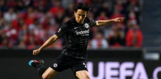 LISBON, PORTUGAL - APRIL 11: Makoto Hasebe of Eintracht Frankfurt in action during the UEFA Europa League Quarter Final First Leg match between Benfica and Eintracht Frankfurt at Estadio do Sport Lisboa e Benfica on April 11, 2019 in Lisbon, Portugal. (Photo by Octavio Passos/Getty Images)