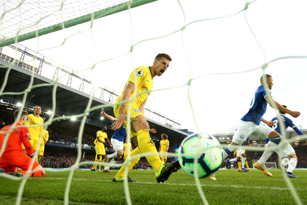 LIVERPOOL, ENGLAND - MARCH 17: Cesar Azpilicueta of Chelsea reacts after Richarlison of Everton scores his sides first goal during the Premier League match between Everton FC and Chelsea FC at Goodison Park on March 17, 2019 in Liverpool, United Kingdom. (Photo by Alex Livesey/Getty Images)
