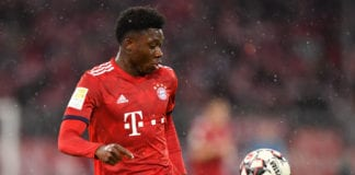 MUNICH, GERMANY - MARCH 17: Alphonso Davies of Bayern Munich plays the ball during the Bundesliga match between FC Bayern Muenchen and 1. FSV Mainz 05 at Allianz Arena on March 17, 2019 in Munich, Germany. (Photo by Sebastian Widmann/Bongarts/Getty Images)