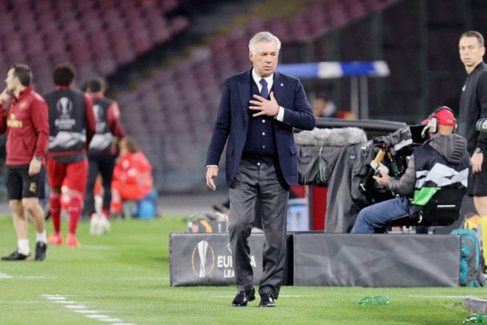 NAPLES, ITALY - APRIL 18: Coach of SSC Napoli Carlo Ancelotti gestures during the UEFA Europa League Quarter Final Second Leg match between S.S.C. Napoli and Arsenal at Stadio San Paolo on April 18, 2019 in Naples, Italy. (Photo by Francesco Pecoraro/Getty Images)