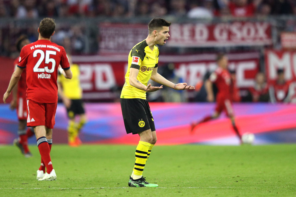 MUNICH, GERMANY - APRIL 06: Julian Weigl of Borussia Dortmund reacts during the Bundesliga match between FC Bayern Muenchen and Borussia Dortmund at Allianz Arena on April 06, 2019 in Munich, Germany. (Photo by Adam Pretty/Bongarts/Getty Images)