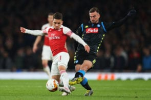 LONDON, ENGLAND - APRIL 11: Lucas Torreira of Arsenal battles for the ball with Fabian Ruiz of Napoli during the UEFA Europa League Quarter Final First Leg match between Arsenal and S.S.C. Napoli at Emirates Stadium on April 11, 2019 in London, England. (Photo by Catherine Ivill/Getty Images)