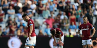 LONDON, ENGLAND - APRIL 20: Lucas Perez, Declan Rice and Jack Wilshere of West Ham United look dejected following their draw in the Premier League match between West Ham United and Leicester City at London Stadium on April 20, 2019 in London, United Kingdom. (Photo by Stephen Pond/Getty Images)
