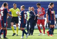 EIBAR, SPAIN - APRIL 20: Alvaro Morata of Atletico Madrid argue with referee Javier Alberola Rojas during the La Liga match between SD Eibar and Club Atletico de Madrid at Ipurua Municipal Stadium on April 20, 2019 in Eibar, Spain. (Photo by Juan Manuel Serrano Arce/Getty Images)