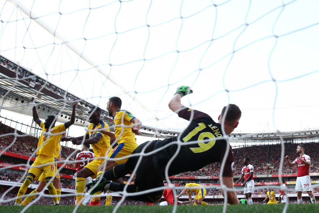 LONDON, ENGLAND - APRIL 21: James McArthur of Crystal Palace (18) celebrates as he scores his team's third goal past Bernd Leno of Arsenal during the Premier League match between Arsenal FC and Crystal Palace at Emirates Stadium on April 21, 2019 in London, United Kingdom. (Photo by Warren Little/Getty Images)