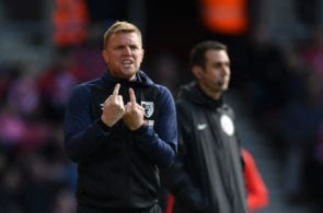 SOUTHAMPTON, ENGLAND - APRIL 27: Eddie Howe, Manager of AFC Bournemouth gives his team instructions during the Premier League match between Southampton FC and AFC Bournemouth at St Mary's Stadium on April 27, 2019 in Southampton, United Kingdom. (Photo by Stu Forster/Getty Images)