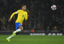 LONDON, ENGLAND - NOVEMBER 16: Neymar of Brazil in action during the International Friendly between Brazil and Uruguay at Emirates Stadium on November 16, 2018 in London, England. (Photo by Mike Hewitt/Getty Images)