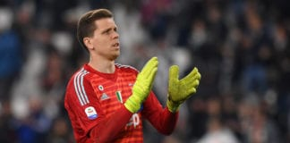 TURIN, ITALY - MARCH 30: Wojciech Szczesny of Juventus greets suppoprters after winning the Serie A match between Juventus and Empoli at Allianz Stadium on March 30, 2019 in Turin, Italy. (Photo by Tullio M. Puglia/Getty Images)