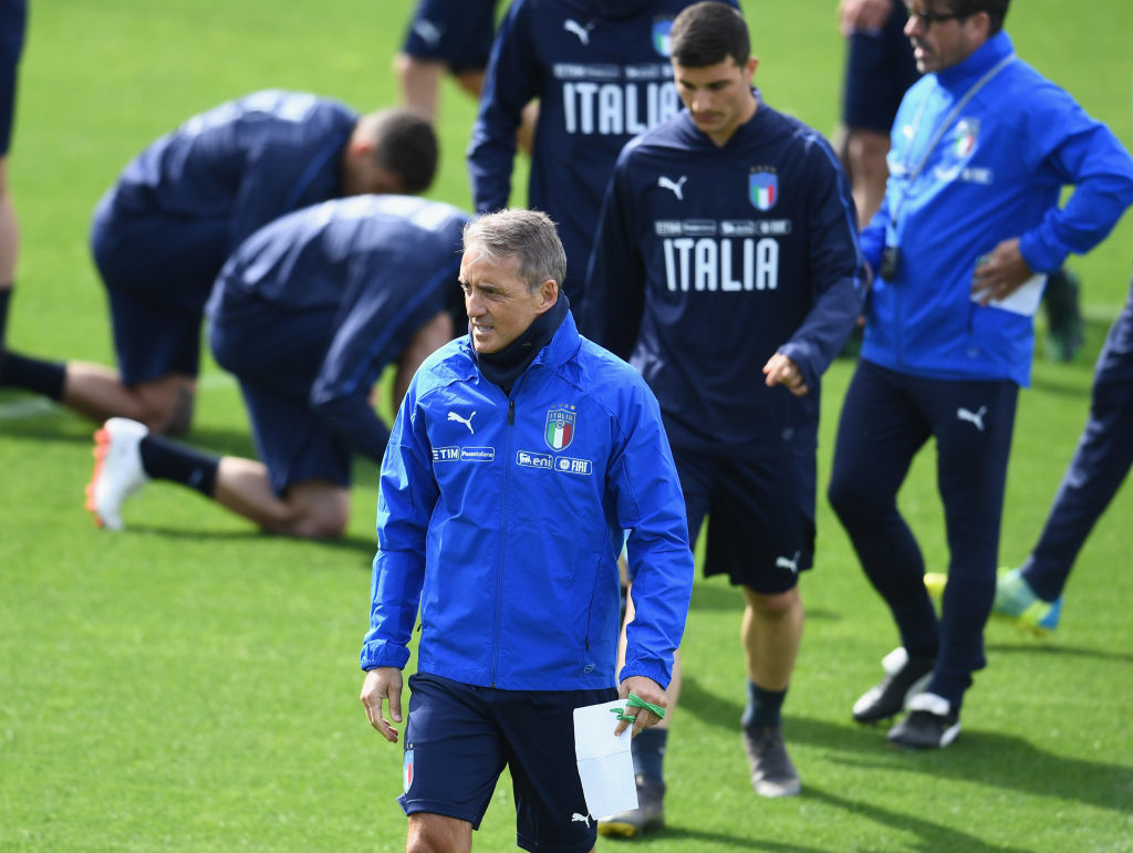 FLORENCE, ITALY - APRIL 29: Head coach Italy Roberto Mancini looks on during a Italy training session at Centro Tecnico Federale di Coverciano on April 29, 2019 in Florence, Italy. (Photo by Claudio Villa/Getty Images)
