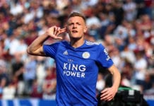 LONDON, ENGLAND - APRIL 20: Jamie Vardy of Leicester City celebrates after scoring his team's first goal during the Premier League match between West Ham United and Leicester City at London Stadium on April 20, 2019 in London, United Kingdom. (Photo by Jordan Mansfield/Getty Images)