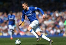 LIVERPOOL, ENGLAND - APRIL 21: Gylfi Sigurdsson of Everton FC runs with the ball during the Premier League match between Everton FC and Manchester United at Goodison Park on April 21, 2019 in Liverpool, United Kingdom. (Photo by Alex Livesey/Getty Images)