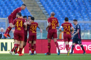 ROME, ITALY - APRIL 27: Javier Pastore of AS Roma celebrates with his teammates after scoringduring the Serie A match between AS Roma and Cagliari at Stadio Olimpico on April 27, 2019 in Rome, Italy. (Photo by Giampiero Sposito/Getty Images)