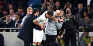 LONDON, ENGLAND - APRIL 30: An injured Jan Vertonghen of Tottenham Hotspur is given assistance during the UEFA Champions League Semi Final first leg match between Tottenham Hotspur and Ajax at at the Tottenham Hotspur Stadium on April 30, 2019 in London, England. (Photo by Shaun Botterill/Getty Images)