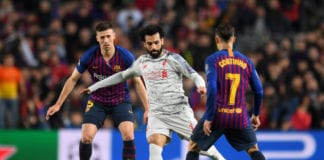BARCELONA, SPAIN - MAY 01: Mohamed Salah of Liverpool controls the ball as Clement Lenglet of Barcelona and Philippe Coutinho of Barcelona look on during the UEFA Champions League Semi Final first leg match between Barcelona and Liverpool at the Nou Camp on May 01, 2019 in Barcelona, Spain. (Photo by Michael Regan/Getty Images)