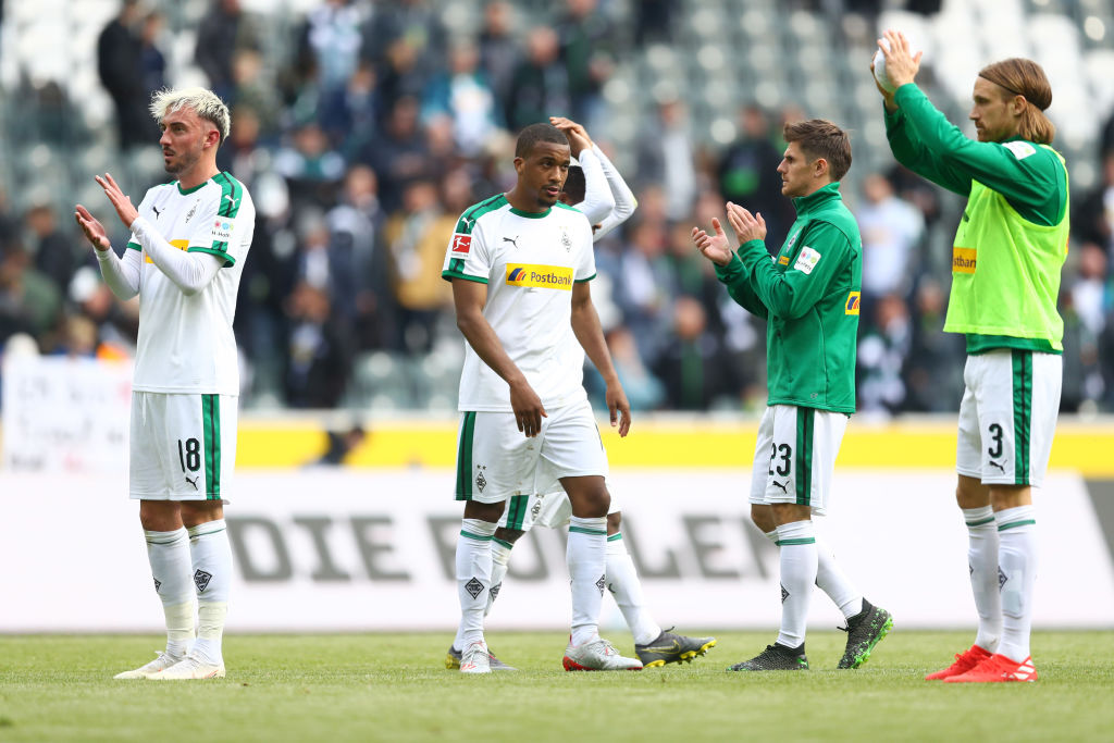 MOENCHENGLADBACH, GERMANY - MAY 04: Borussia Monchengladbach players show appreciation to the fans after the Bundesliga match between Borussia Moenchengladbach and TSG 1899 Hoffenheim at Borussia-Park on May 04, 2019 in Moenchengladbach, Germany. (Photo by Lars Baron/Bongarts/Getty Images)