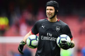 LONDON, ENGLAND - MAY 05: Petr Cech of Arsenal warms up ahead of the Premier League match between Arsenal FC and Brighton & Hove Albion at Emirates Stadium on May 05, 2019 in London, United Kingdom. (Photo by Clive Mason/Getty Images)