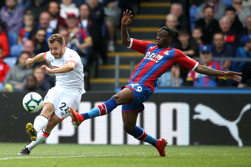 LONDON, ENGLAND - MAY 12: Aaron Wan-Bissaka of Crystal Palace is challenged by Ryan Fraser of AFC Bournemouth during the Premier League match between Crystal Palace and AFC Bournemouth at Selhurst Park on May 12, 2019 in London, United Kingdom. (Photo by Steve Bardens/Getty Images)