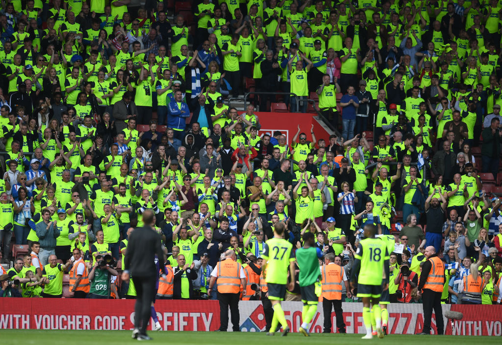 SOUTHAMPTON, ENGLAND - MAY 12: The Huddersfield side applaud the fans at the final whistle during the Premier League match between Southampton FC and Huddersfield Town at St Mary's Stadium on May 12, 2019 in Southampton, United Kingdom. (Photo by Harry Trump/Getty Images)