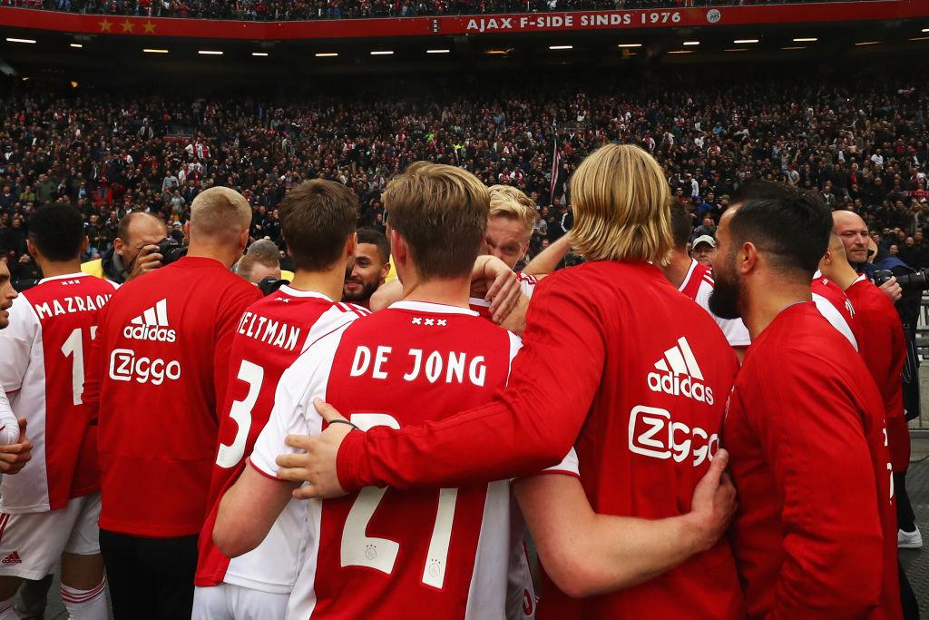 نتیجه تصویری برای de young and amsterdam arena