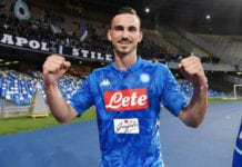 NAPLES, ITALY - MAY 19: Fabian Ruiz of SSC Napoli celebrates the victory after the Serie A match between SSC Napoli and FC Internazionale at Stadio San Paolo on May 19, 2019 in Naples, Italy. (Photo by Francesco Pecoraro/Getty Images)