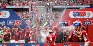LONDON, ENGLAND - MAY 26: Players of Charlton Athletic celebrates with the trophy following their victory and promotion in the Sky Bet League One Play-off Final match between Charlton Athletic and Sunderland at Wembley Stadium on May 26, 2019 in London, United Kingdom. (Photo by James Chance/Getty Images)