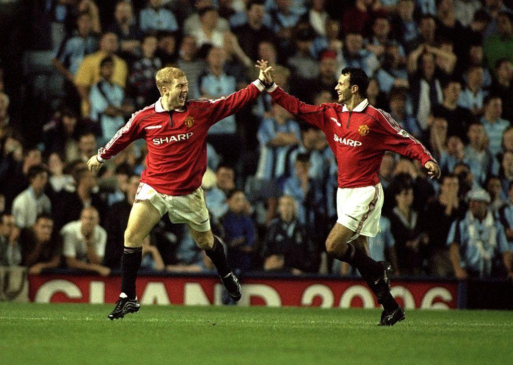 Paul Scholes and Ryan Giggs of Man Utd