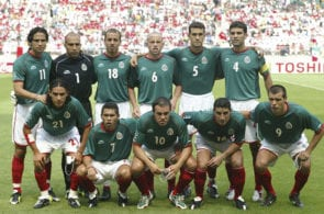 FUSSBALL: WM 2002 in JAPAN und KOREA, MEX - USA 0:2