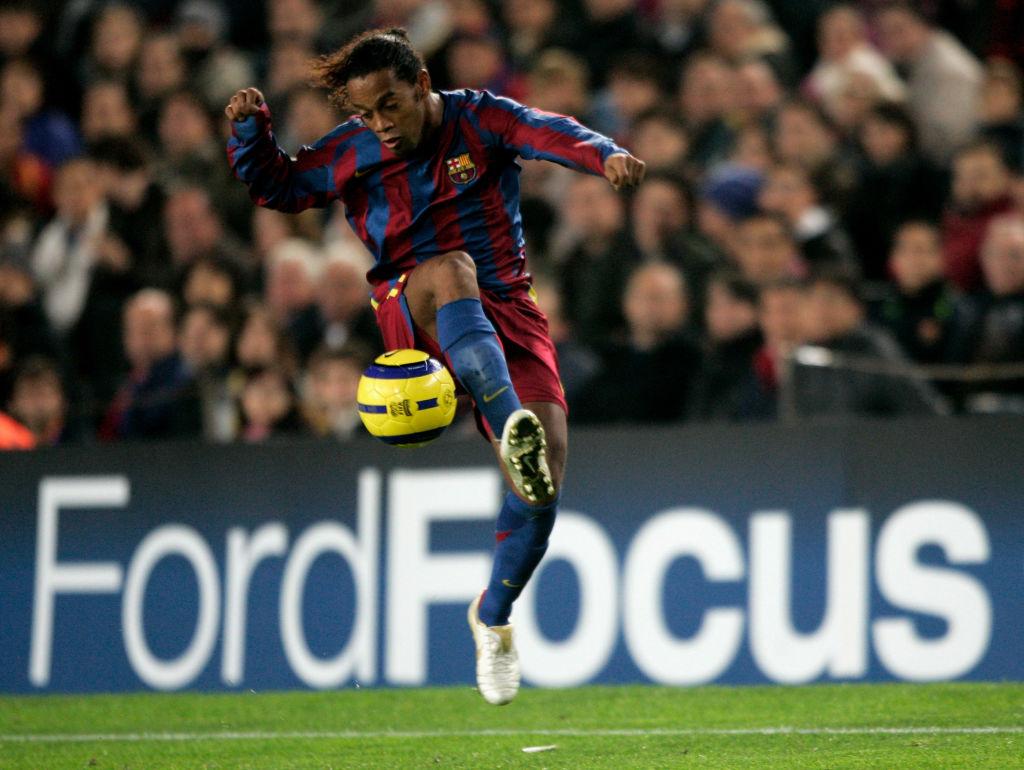 Opinion It Was About Time Barcelona Honored Ronaldinho Ronaldo Com