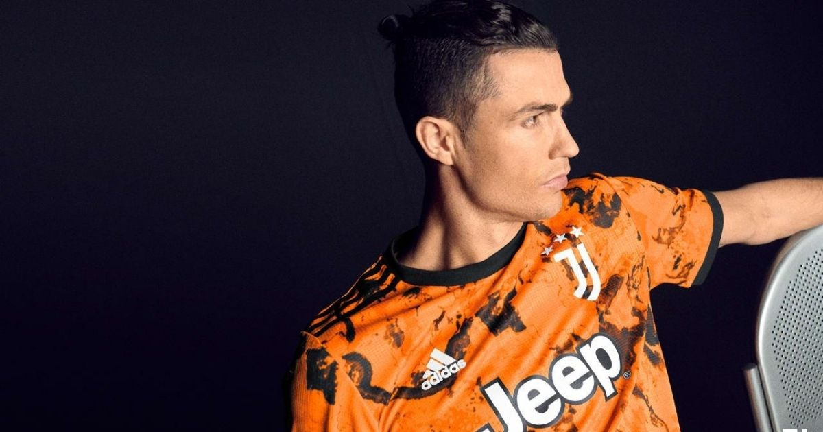 cristiano ronaldo helps unveil the new third juventus kit for 2020 21 cristiano ronaldo helps unveil the new